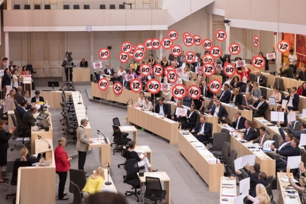 parlament_60-stunden-tag.jpg